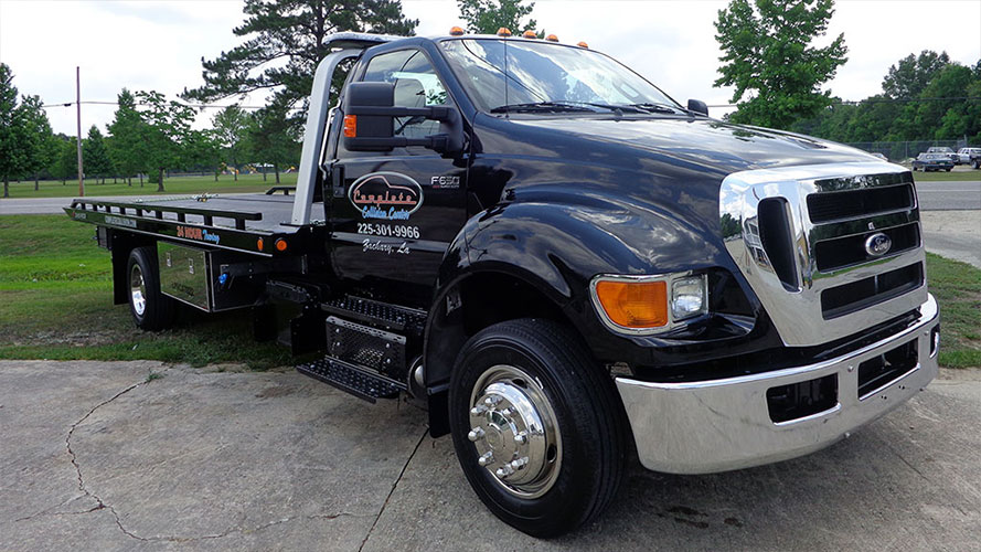 For 24/7 Towing and recovery from an auto and body shop near you, get in touch with Complete Collision.