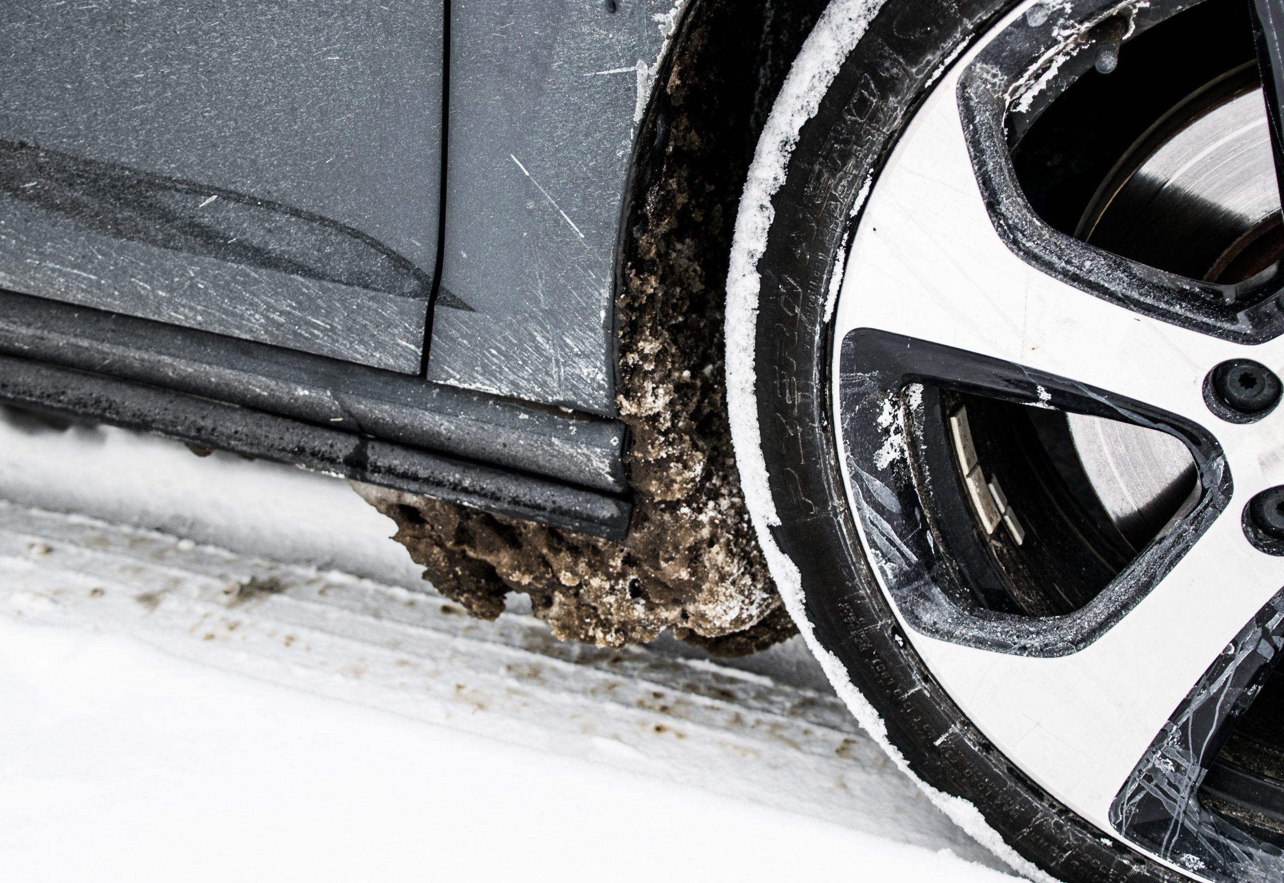 Looking for a great tire-change near you? Complete Collision can help.